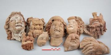 Kurul Kalesinde 2 bin 100 yıllık büst ve masklar bulundu