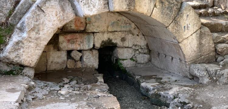 Adıyaman'da 2 bin yıllık Roma dönemi çeşmesi