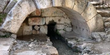 Adıyamanda 2 bin yıllık Roma dönemi çeşmesi