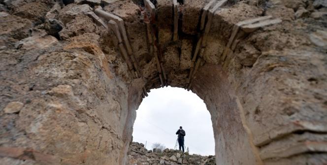 Hadrianaupolis antik kenti kazılarında bulunan yapılar