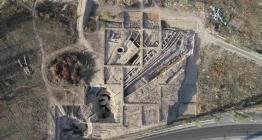 Doğu Türkistanda 3500 yıllık güneş sunağı keşfedildi