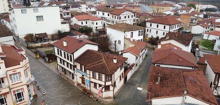 Osmaneli'nde tarihi evlerdeki restorasyonlar devam ediyor