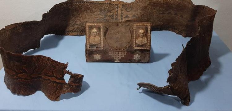 Gaziantep'te tarihi eser niteliği taşıyan piton yılanı derisi yakalandı