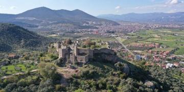 Beçin Antik Kentindeki 600 yıllık Yelli Camii restore ediliyor