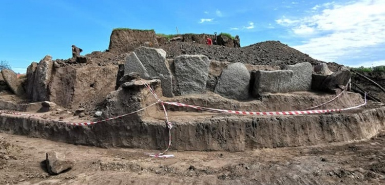 Ukraynada İskit Kurganı ve Stonehenge benzeri megalit bulundu