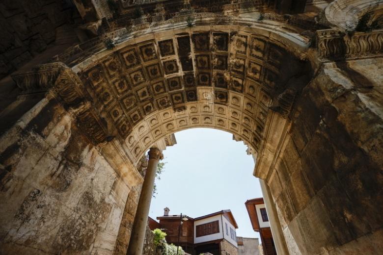 Antalya Kaleiçi'nde mimari yapıları ile geçmişe yolculuk