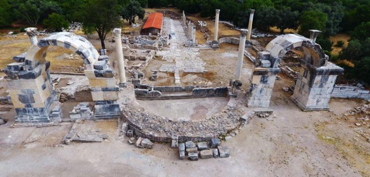 Stratonikeia ile Lagina'yı birbirine bağlayan antik kapı restore edildi