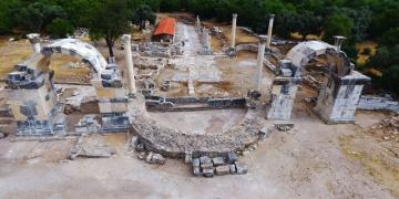 Stratonikeia ile Laginayı birbirine bağlayan antik kapı restore edildi