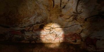 Lascaux Mağarasının eşsiz resimleri şimdi elinizin altında