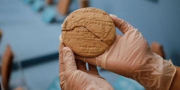 3 bin 700 yıllık Babil tableti Pisagorun pabucunu dama atacak gibi