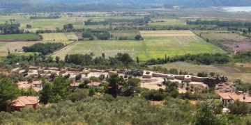 Idyma Antik Kenti içinde bulunan Akyaka Kalesinin surları ortaya çıktı