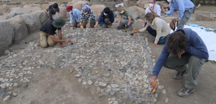 Uşaklı Höyük'te 3 bin 500 yıllık mozaik ortaya çıkarıldı