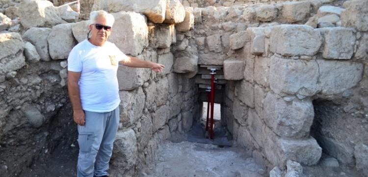 Aratos'un anıt mezarı arkeolojik olarak kanıtlandı