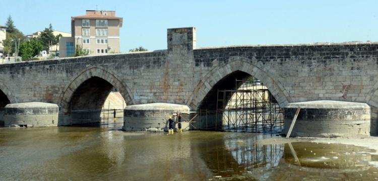 Tokat Hıdırlık Köprüsü'nun restorasyonu tamamlandı