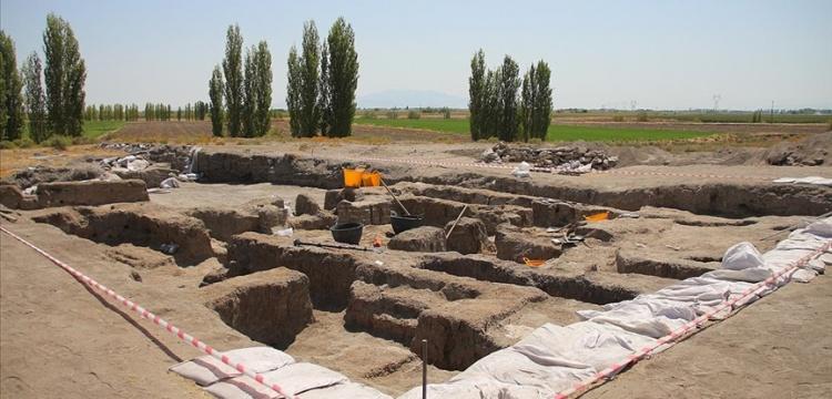Çatalhöyükte alışılmışın dışında bir binada çok sayıda mezar bulundu