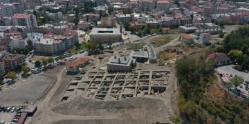 Sivas Kalesinde aranan Selçuklu Sarayına ait kanıtlar bulundu