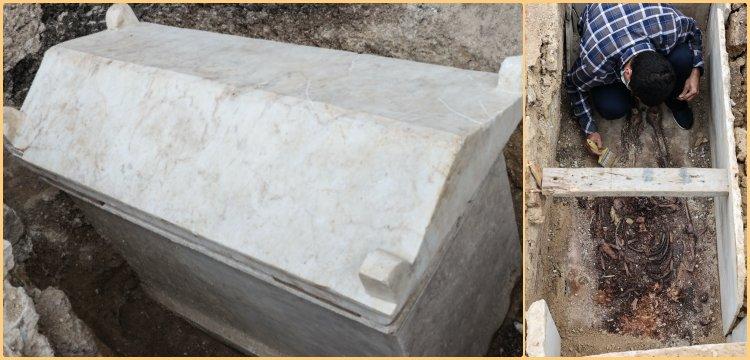 Kazlıçeşme'de 1600 önce bir lahite yanyana gömülmüş çift bulundu