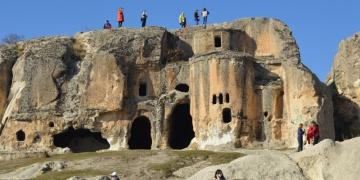Frig Vadisi yılın ilk gününde turist akınına uğradı